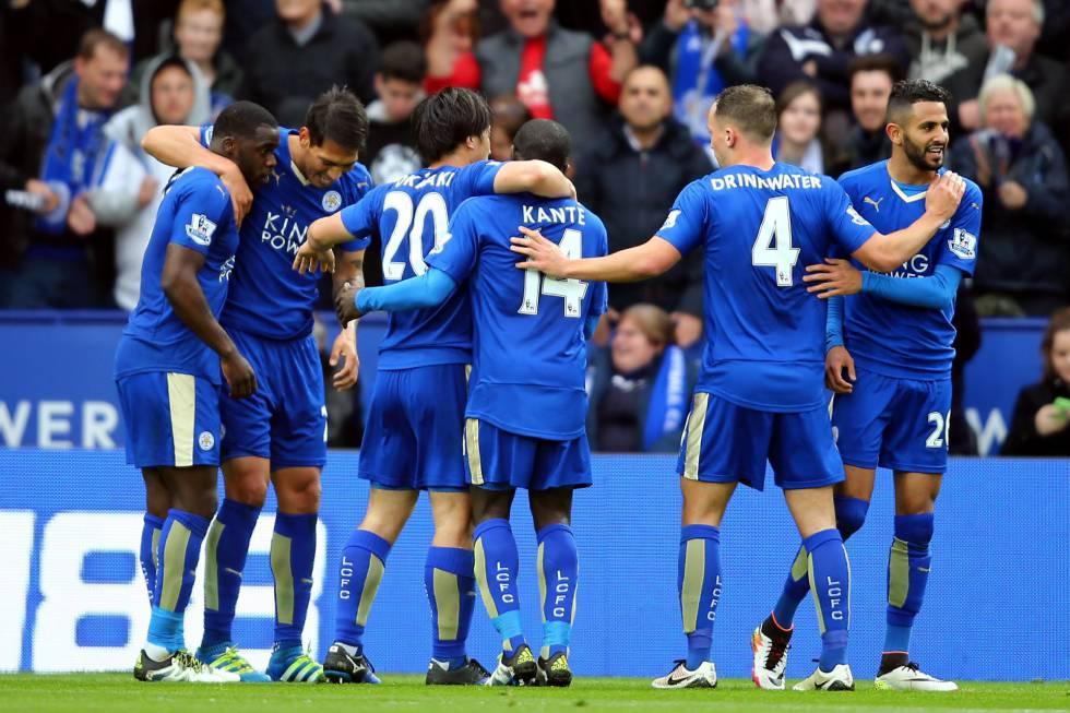 El Leicester, sin Vardy, golea al Swansea y ya roza el título