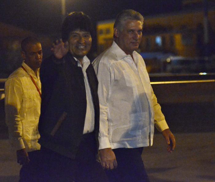 Arribó a Cuba presidente de Bolivia Evo Morales