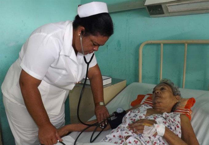 Reconocen  a profesionales de la Enfermería