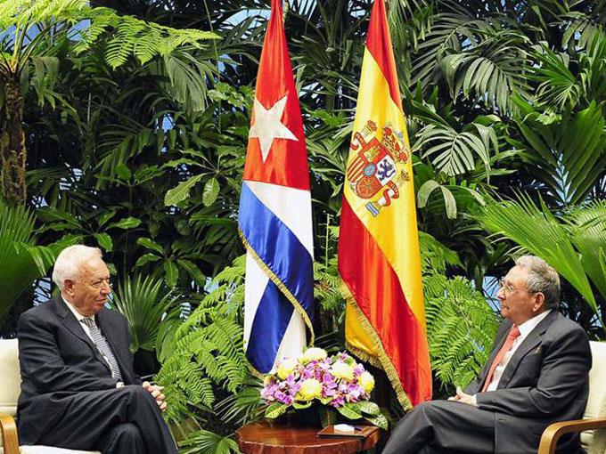 Recibió Raúl al Ministro de Asuntos Exteriores y de Cooperación del Reino de España