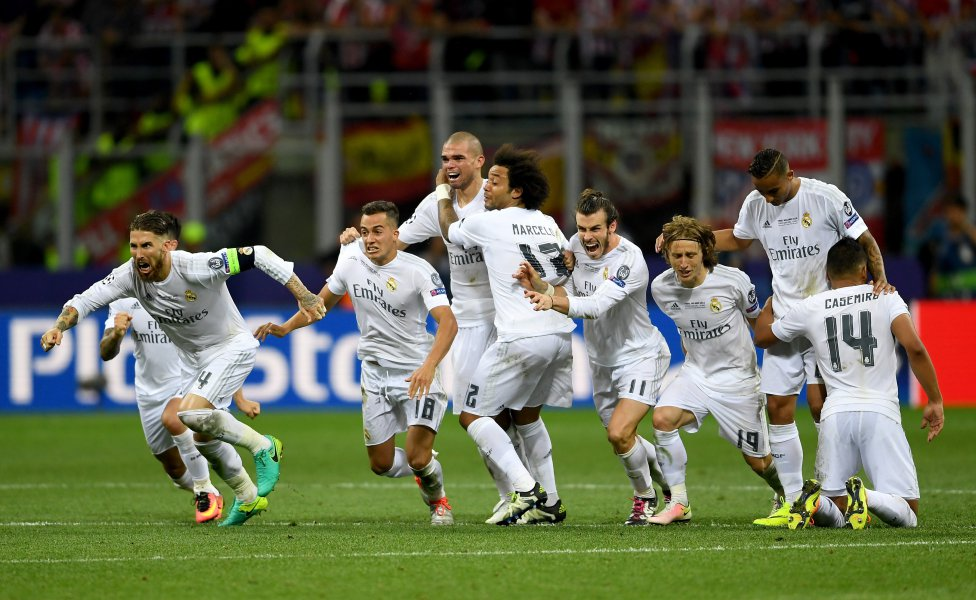 Los jugadores del Real Madrid celebran la victoria. Laurence Griffiths (Getty Images)