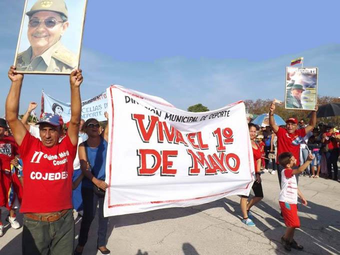 Maravilloso, masivo y contundente respaldo a la Revolución en Manzanillo