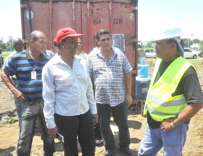 Visita a Granma Presidenta del Instituto Nacional de Recursos Hidráulicos