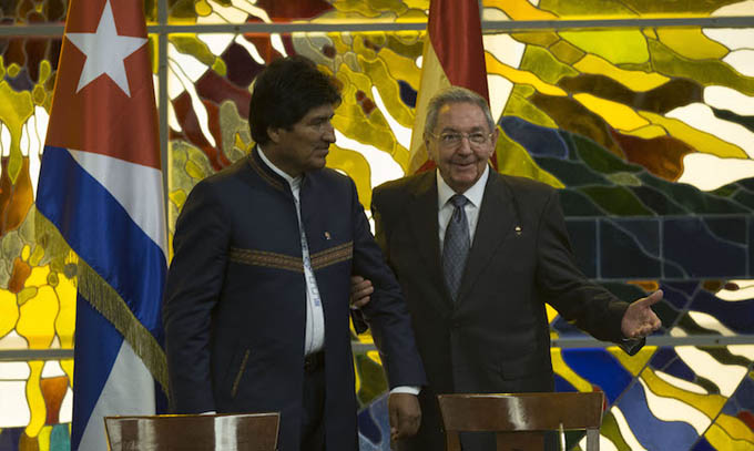 Presidente Raúl Castro recibe a su homólogo boliviano