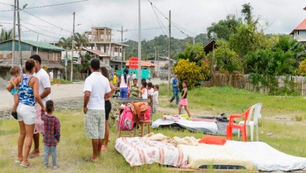 Un muerto y 87 heridos en Ecuador tras sismo de magnitud 6,8