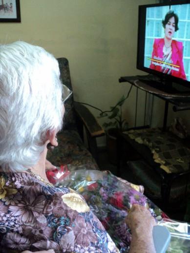 Como Argentina, otras cuatro madres combatientes granmenses recibieron un televisor como regalo