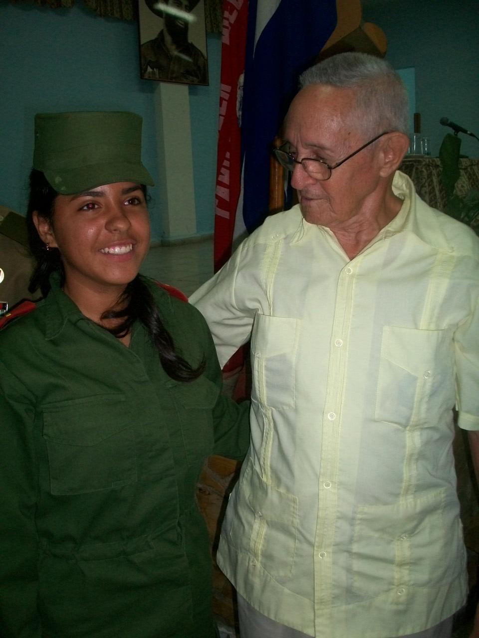 Abrazo a la historia en Manzanillo