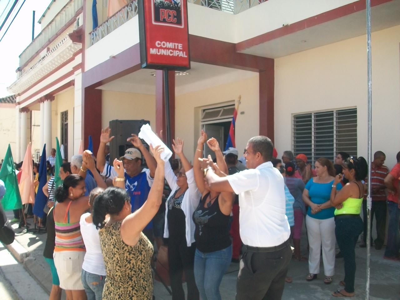 Júbilo y alegría en Manzanillo por sede provincial del 26 de Julio