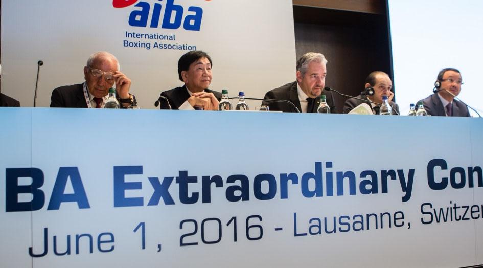 AIBA autoriza a profesionales para boxeo olímpico