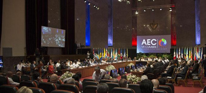 Inaugura Raúl VII Cumbre de AEC con un llamado a la paz regional (+ video)