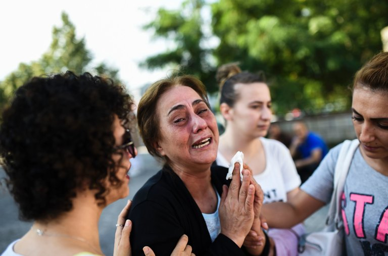 Asciende a 41 muertos y 239 heridos el saldo del atentado en Aeropuerto de Turquía