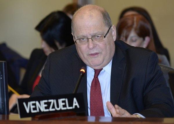 Embajador venezolano niega situación para activar Carta OEA
