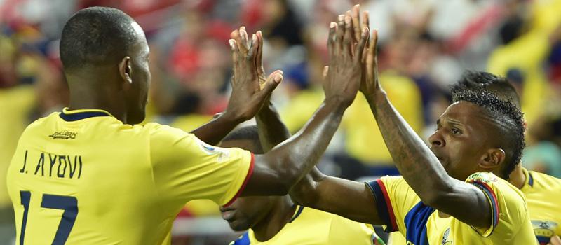 RESUMEN: Ecuador y Perú lo dejan todo en la cancha en empate 2-2