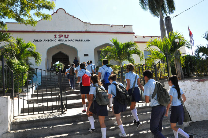 Sostiene Granma mejoramiento de instalaciones educacionales