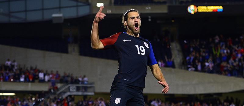Estados Unidos revive con goleada de 4-0 sobre Costa Rica