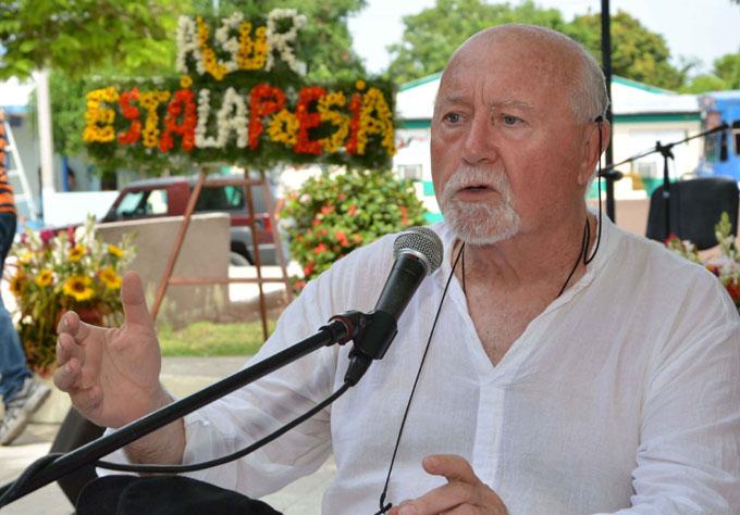 "Poeta de Cataluña: ""Cuba es maravillosa"""