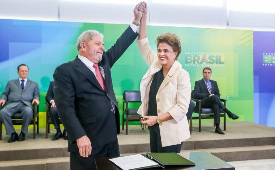 Dilma Rousseff afirma que Lula será candidato a presidente de Brasil