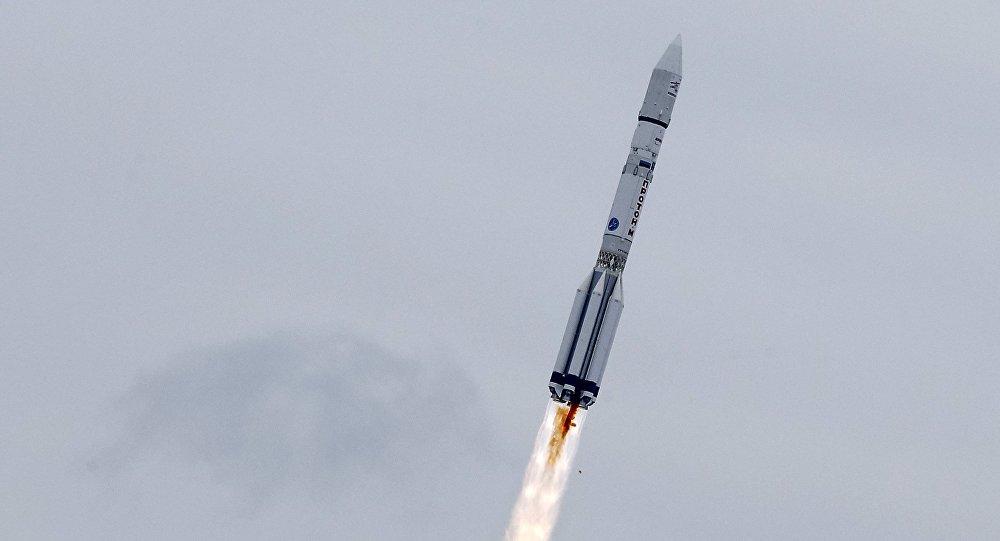 Misil ruso lleva a órbita satélite de EE.UU.