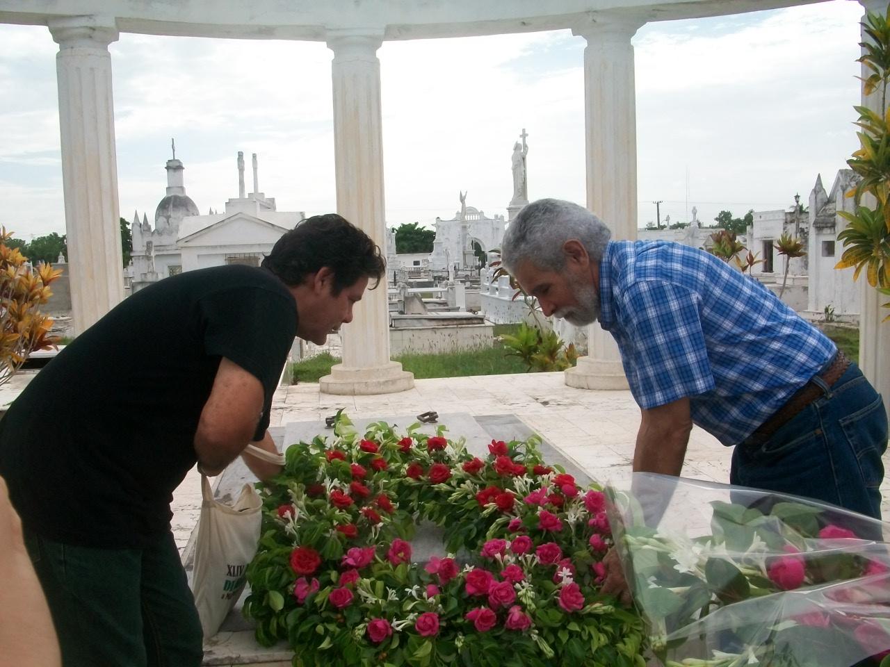 Recuerdan al poeta Navarro Luna en el aniversario 50 de su muerte (+ Fotos)