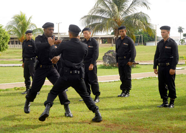 Ratifican compromisos combatientes del MININT en Manzanillo