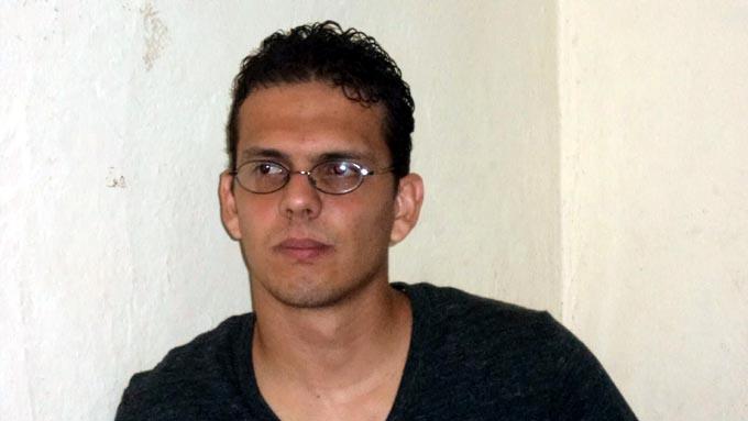 Gana escritor holguinero Premio Nacional de Poesía Manuel Navarro