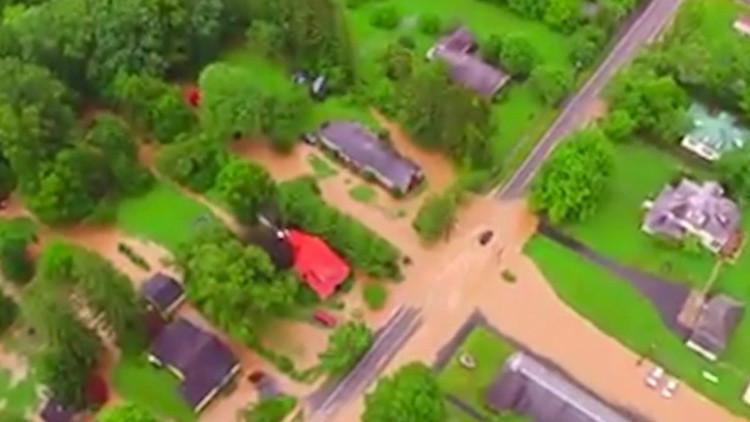Al menos 14 muertos por inundaciones en EE.UU. y 500 personas atrapadas en un centro comercial