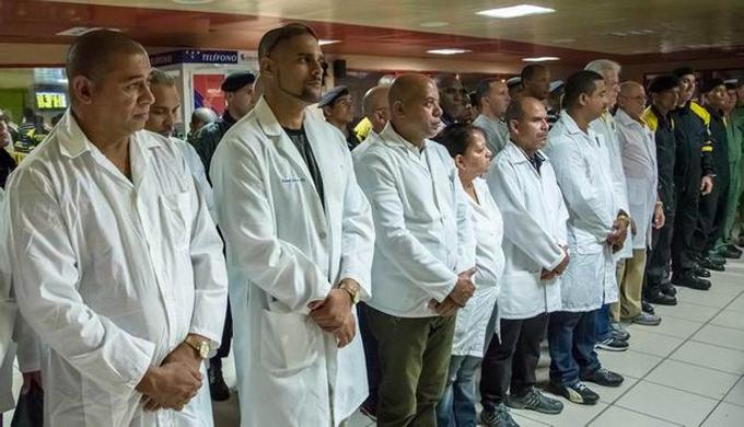 Regresa de Ecuador brigada médica en misión tras el terremoto