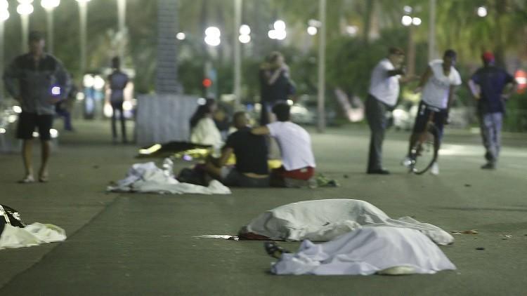Al menos 84 muertos tras chocar camión contra multitud en Niza, Francia