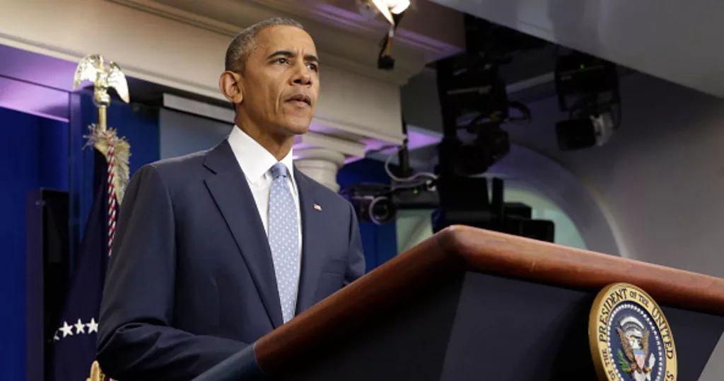 Obama tilda de cobarde e injustificado asesinato de policías en EE.UU