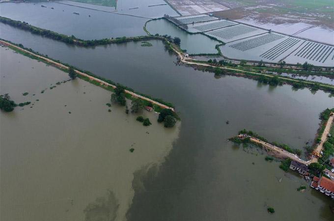 Ruptura de dique obliga a evacuación de miles de personas en China