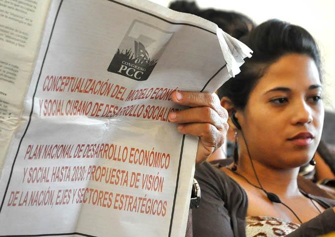 Perfilan futuro de Cuba profesionales de la prensa en Granma