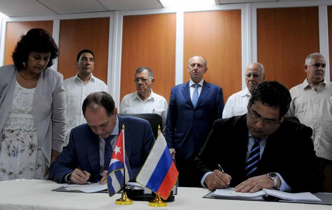 LA HABANA-FIRMAN CUBA Y RUSIA CONTRATO DE SUMINISTROS Y REPARACIÓN DE EQUIPOS DE TRANSPORTE
