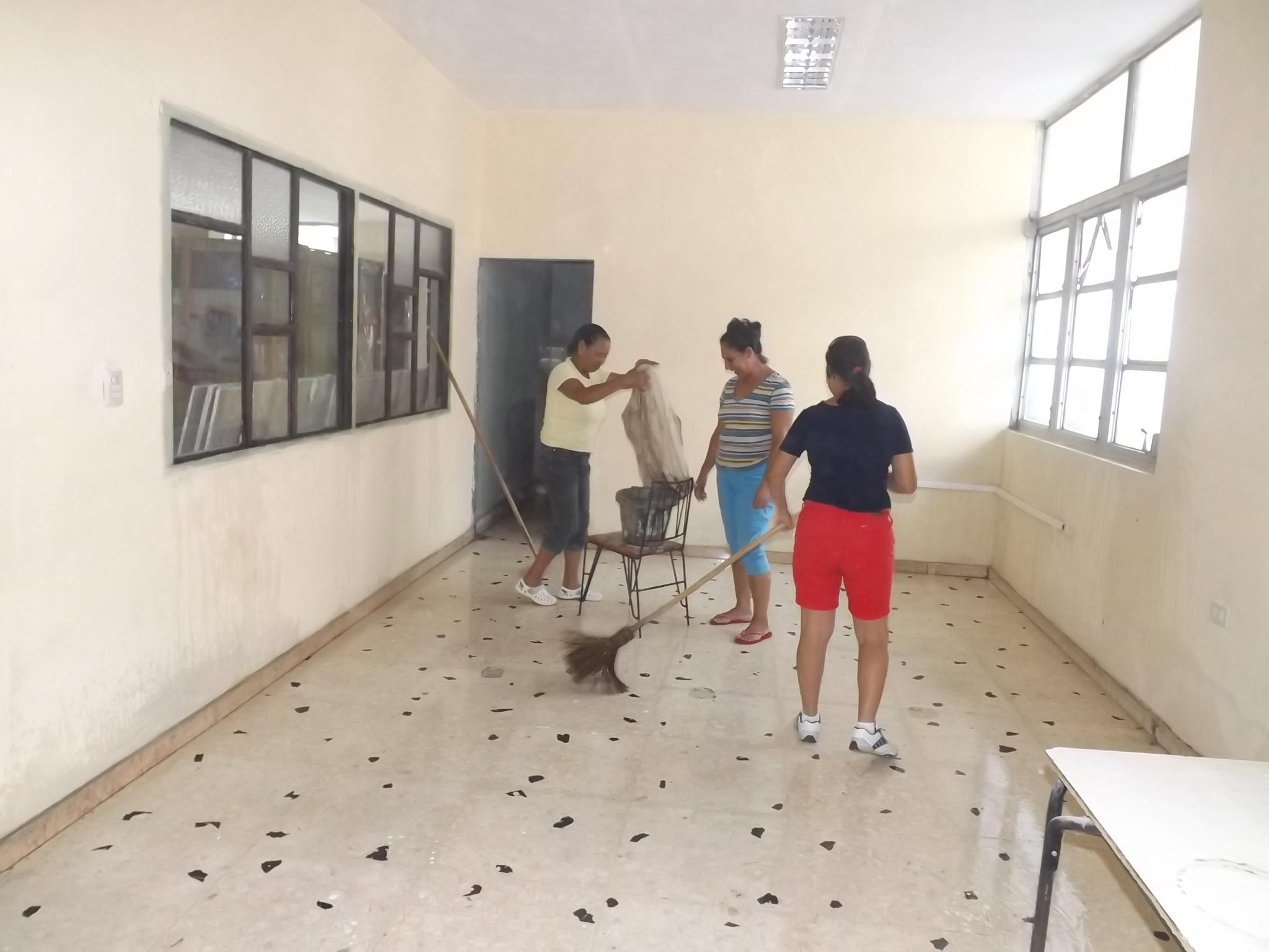 Rejuvenecen biblioteca pública de Manzanillo