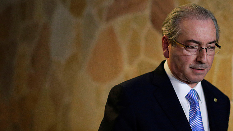 Dimite Eduardo Cunha, el promotor del 'impeachment' a Dilma