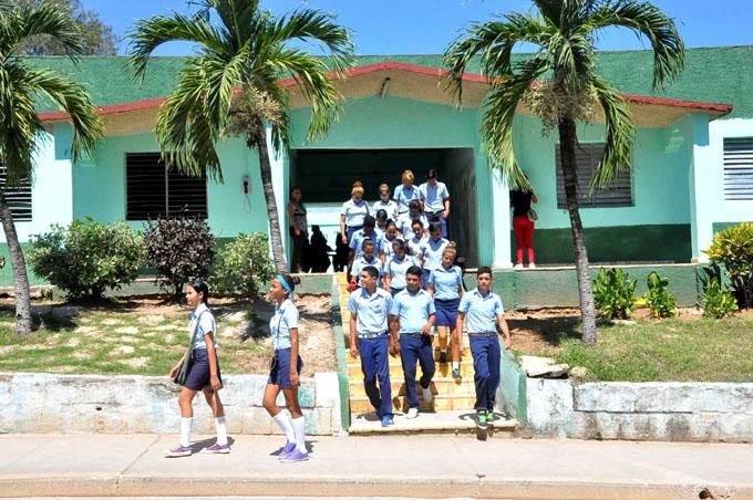 Valoran de satisfactorio curso escolar 2015-2016 en Granma