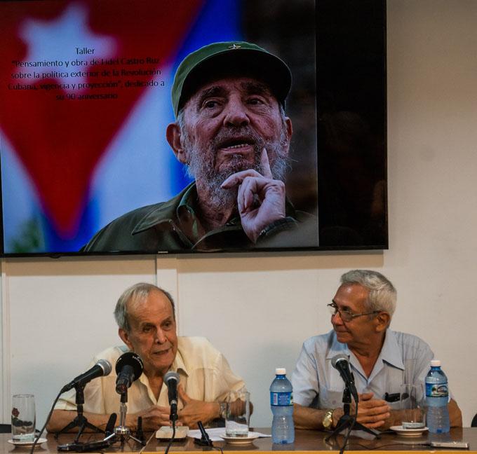 Debaten influencia de Fidel Castro en política exterior de Cuba