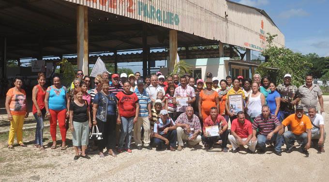 Otorgan condición de vanguardia nacional a Frutas Selectas de Granma