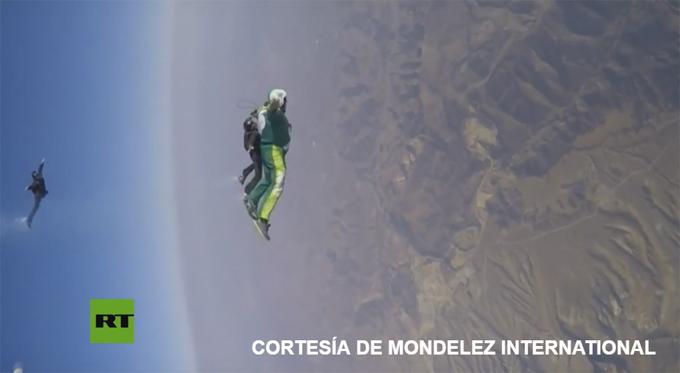 Así es saltar sin paracaídas desde 7.600 metros (+ video)