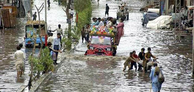 Decenas de muertos y graves daños por lluvias en la India