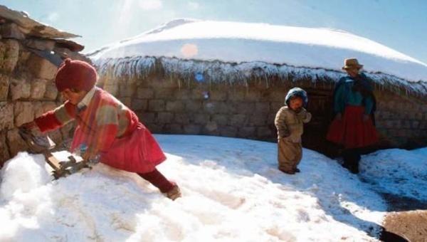 Ola de frío afecta a 257.000 personas en zonas andinas