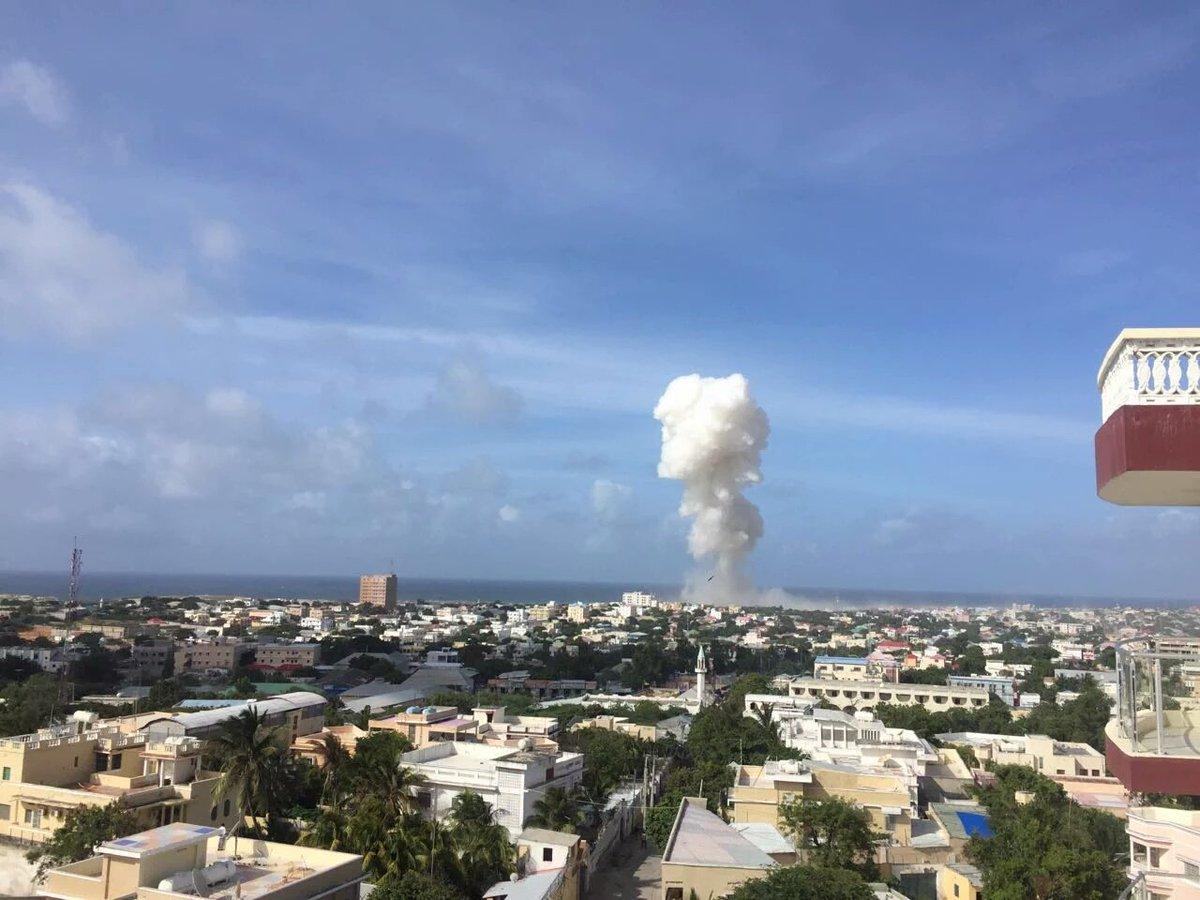 Trece muertos en un doble atentado en el aeropuerto de Mogadiscio