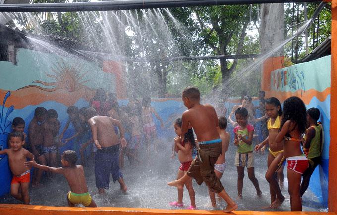La cascada constituye una atractiva opción para los niños/ FOTO Luis Carlos Palacios