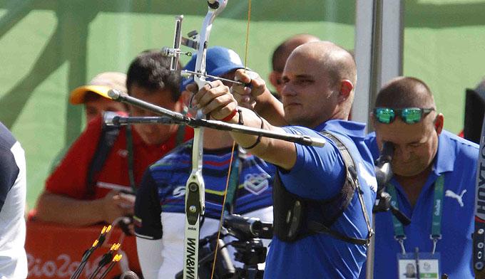 Cuba abrió con récord personal del arquero Adrián Puentes