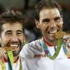 Descubre por qué los atletas muerden sus medallas