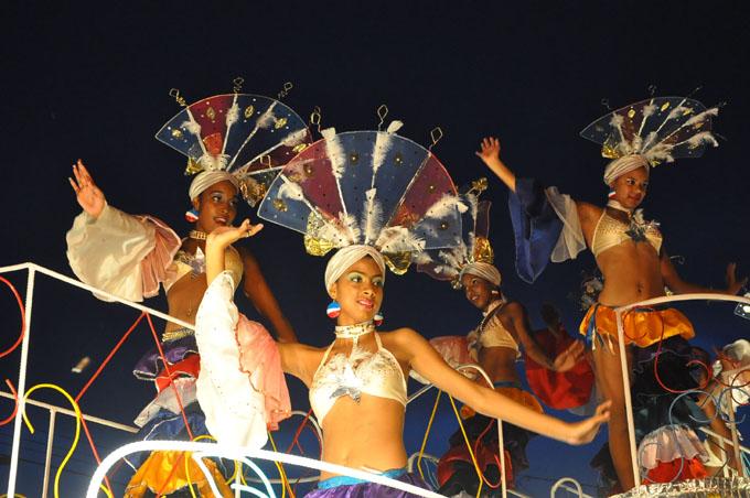 Premian comparsas y carrozas del Carnaval de Bayamo 2016 (+ fotos y videos)
