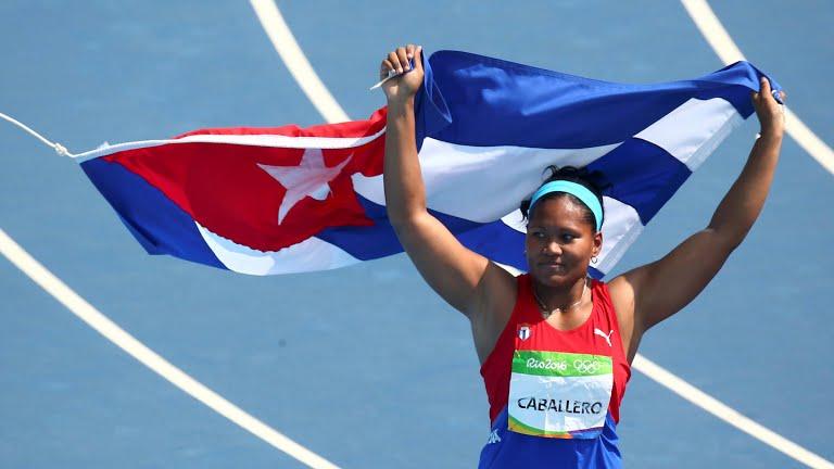 Discóbola cubana Caballero conquista bronce olímpico