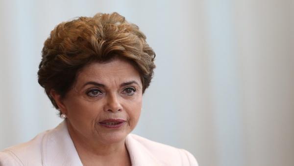 Propone Rousseff plebiscito para elecciones anticipadas y reforma política en Brasil