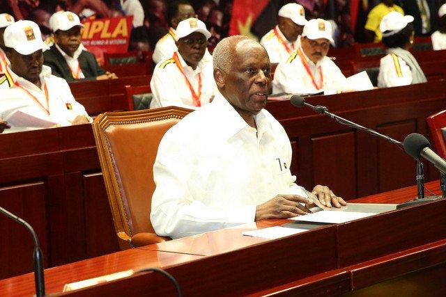 Reelecto Dos Santos como presidente del gobernante MPLA en Angola (+ fotos)