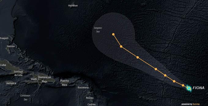 Fiona se mueve sobre el Atlántico tropical central