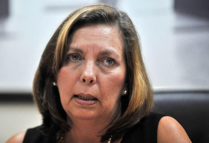 Cuba denuncia extraterritorialidad de política migratoria de EE.UU.